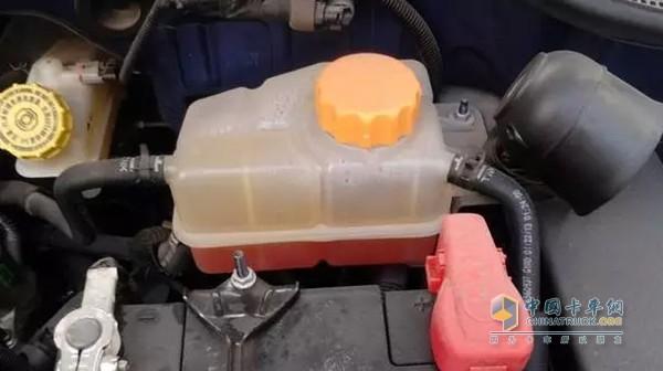 车水箱防冻液配方_中国卡车网 用车养车 用车技巧    防冻液为发动机不\