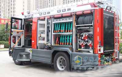 台州首辆多功能主战消防车投入使用