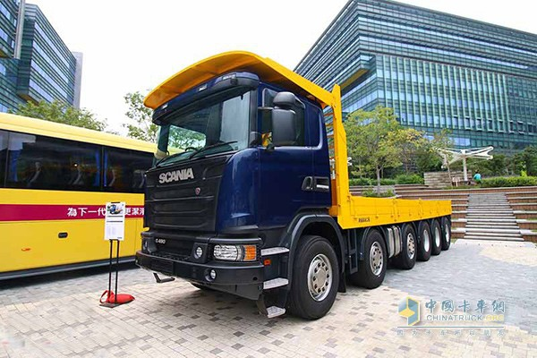 G490六轴载货车
