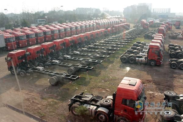 高安海鑫是江西省占地面积最大、从业人员最多、销售量最大的解放代理商