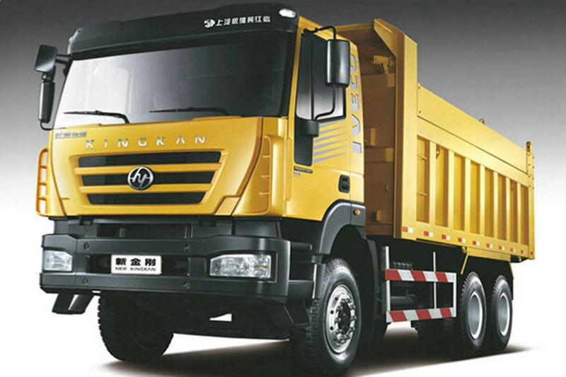 上汽依维柯红岩金刚M500 8X4 390马力自卸车(坑口类工程车)