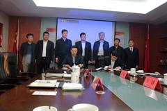 主攻中置轴轿运车 一汽解放与天津劳尔签署战略合作