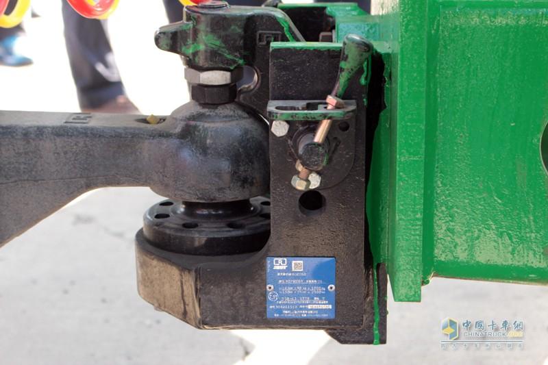 中置轴列车 连接处的安全性是关键,天津劳尔全部采用JOST品牌