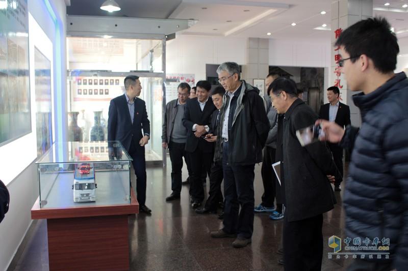天津劳尔的中置轴轿运车制造标准一定程度代表了国内中置轴轿运车标准,其产品领先性可见一斑。