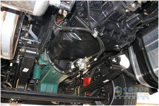 解放卡车搭载锡柴发动机的动力链