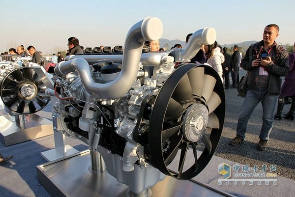 重汽MT13天然气发动机