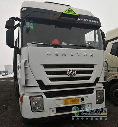 王志斌信赖的红岩杰狮C100危化品运输车