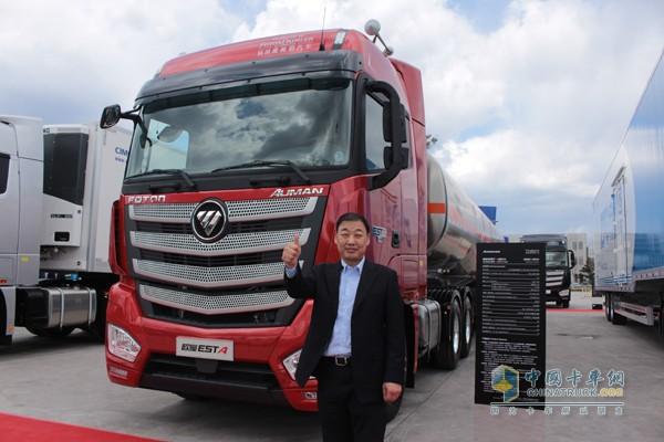 为高效而生 首批千台欧曼est超级卡车交付明星客户图片