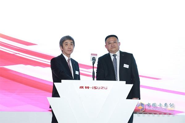 杜卫东先生与片山正则先生共同发布GIGA巨咖