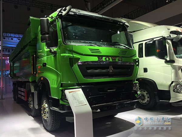 HOWO-T6G 8×4自卸车