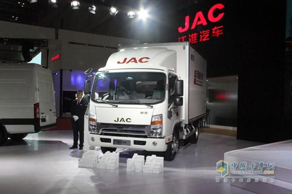格尔发同门兄弟帅铃推出全能卡车,包括全定制、全智能、全节能、全价值