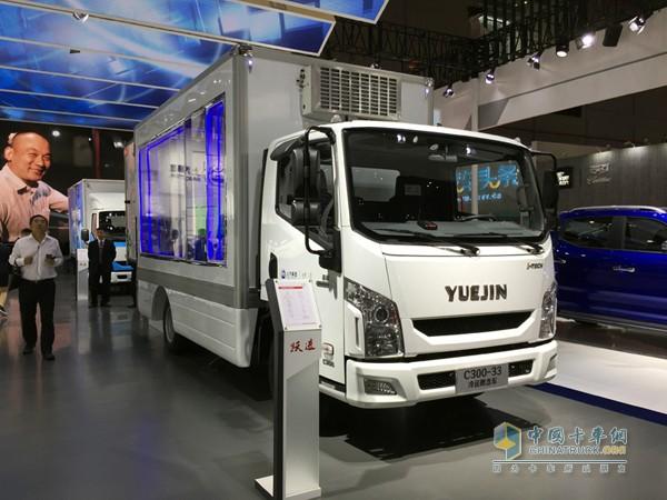 更有直接是透明货箱的,跃进C300-33冷藏概念车,一车可以设定三种温度,如何实现内部透明货箱结构一目了然