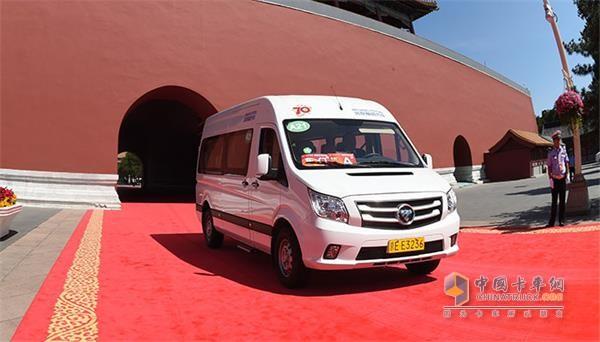 图雅诺被选定为93阅兵外交部贵宾专用车