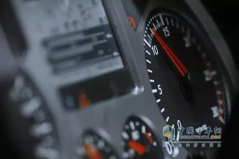 合理控制发动机转速