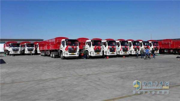 中国重汽豪瀚天然气牵引车