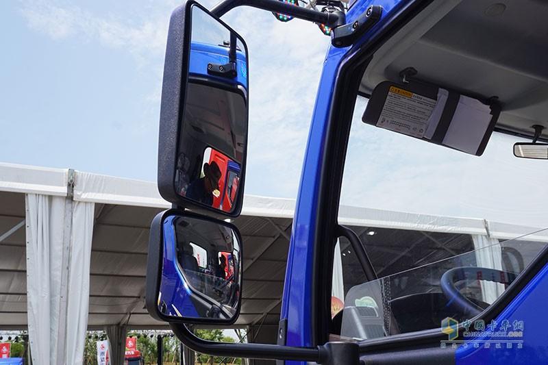 大框架后视镜 城市运输观察视野更足,更安全