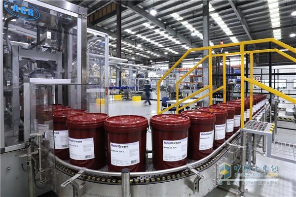 美孚新加坡润滑脂及合成润滑油厂扩建工程竣工