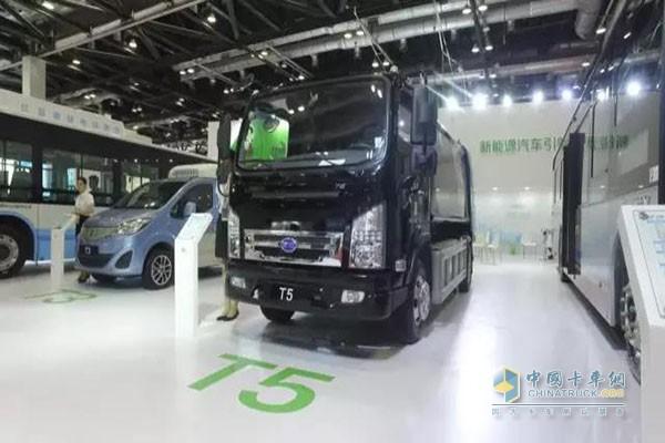T5纯电动压缩式垃圾车