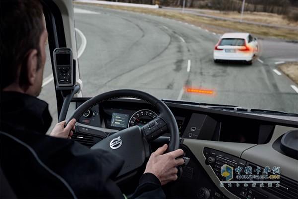 自适应巡航控制(ACC)是沃尔沃卡车开发的一款驾驶员支持系统