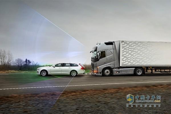 沃尔沃卡车开发出紧急刹车功能的碰撞警示系统