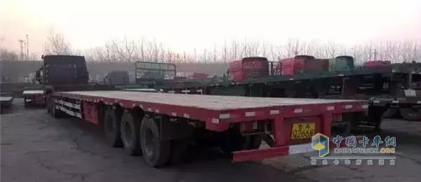 17.5米低平板运输车