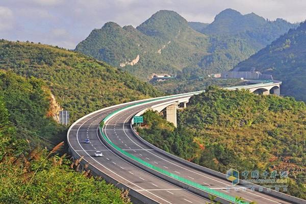 壁纸 成片种植 道路 风景 高速 高速公路 公路 植物 种植基地 桌面