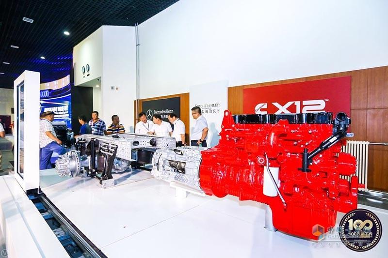 欧曼EST搭载的康明斯X12发动机