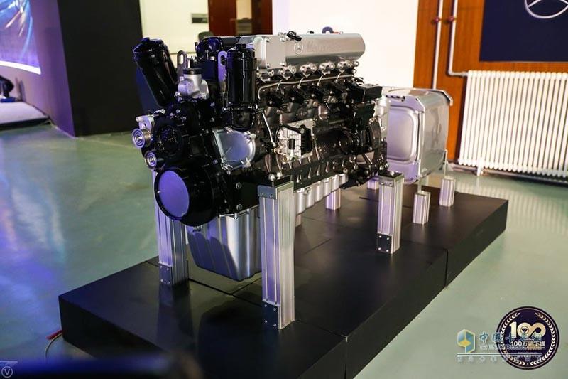 欧曼EST搭载的奔驰动力发动机