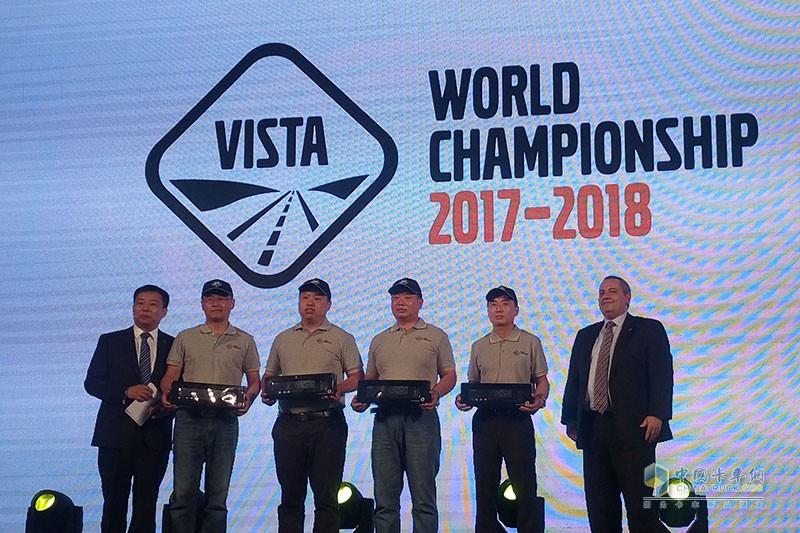 今年将参加VISTA比赛的沃尔沃卡车服务人员