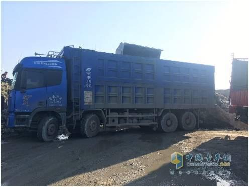 曹雪松购入的搭载着福田康明斯ISG发动机的卡车