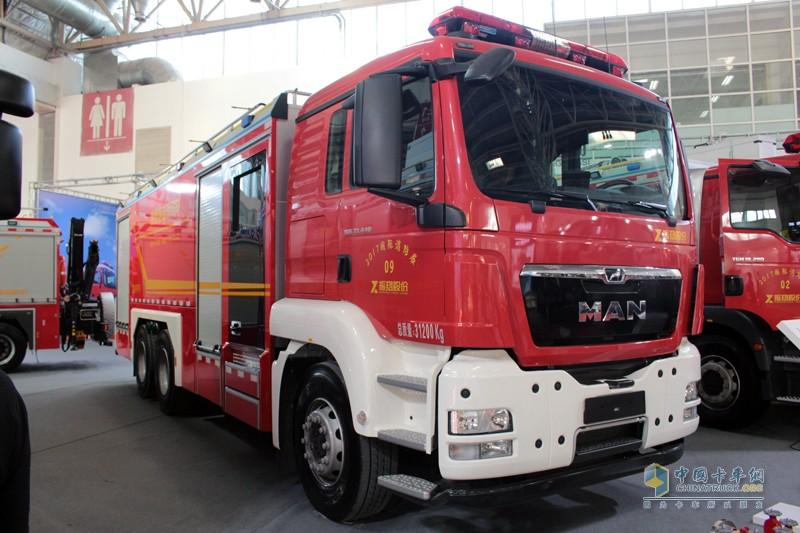 德国曼恩底盘6X4消防车
