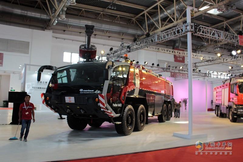 最大型的机场消防车