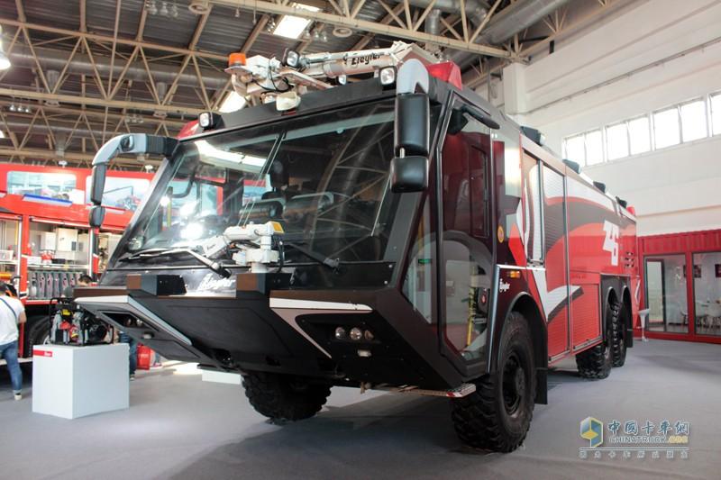 不同种类的机场消防车