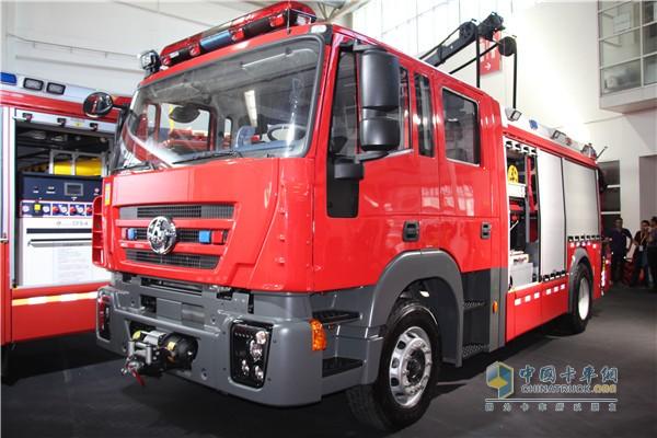 装备海沃随车吊的红岩消防车