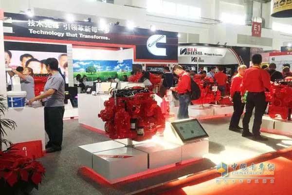 康明斯发动机亮相北京机械展