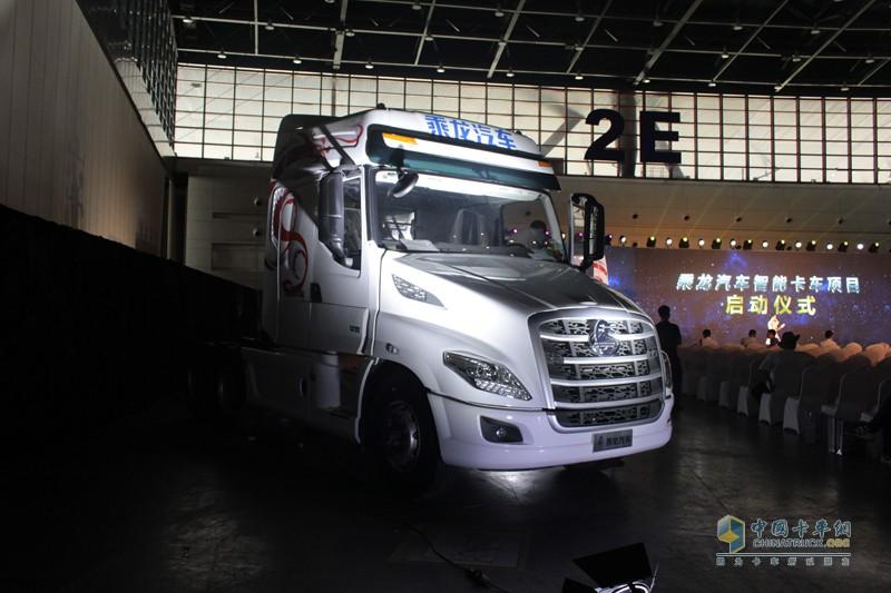 乘龙T7的成功上市, 不仅推动了中国高效物流用车的升级换代,更将引领国内长头卡车新风尚!