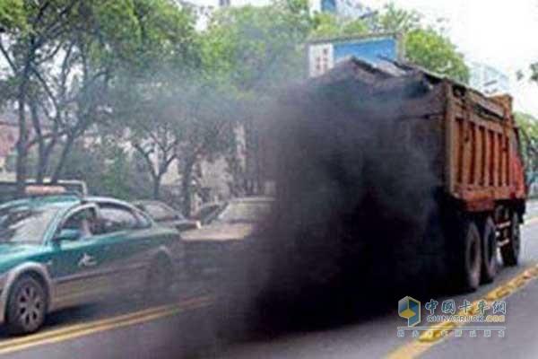 重型柴油车排放污染   该标准是对《车用压燃式、气体燃料点燃式发动机与汽车排气污染物排放限值及测量方法(国 III、国IV、国V 阶段)》(GB 17691-2005)的补充,规定了重型柴油车、气体燃料车排气污染物车载测量方法及技术要求。适用于满足GB 17691-2005第五阶段标准的重型柴油车、气体燃料车的新生产车排放达标检查和在用符合性检查。