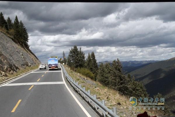 行驶在云端的中国重汽品质鉴证之旅车队