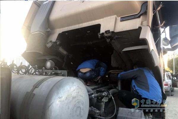 加注重汽产品专用美孚黑霸王机油