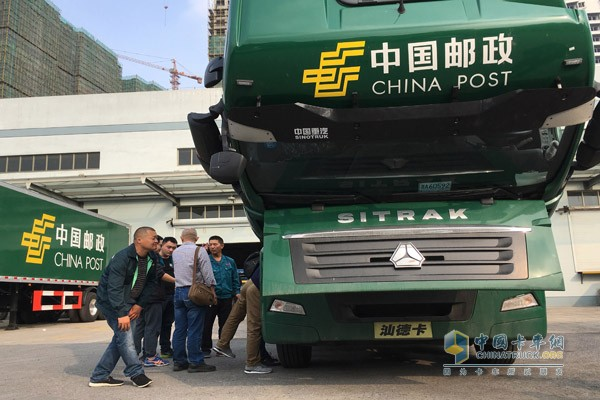 采埃孚组织中国邮政车队进行驾驶培训