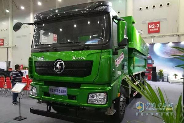 德龙X3000新型环保渣土自卸车