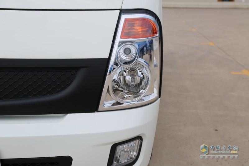 时骏汽车F350车灯