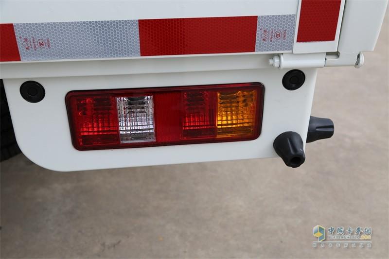 时骏汽车F350尾灯