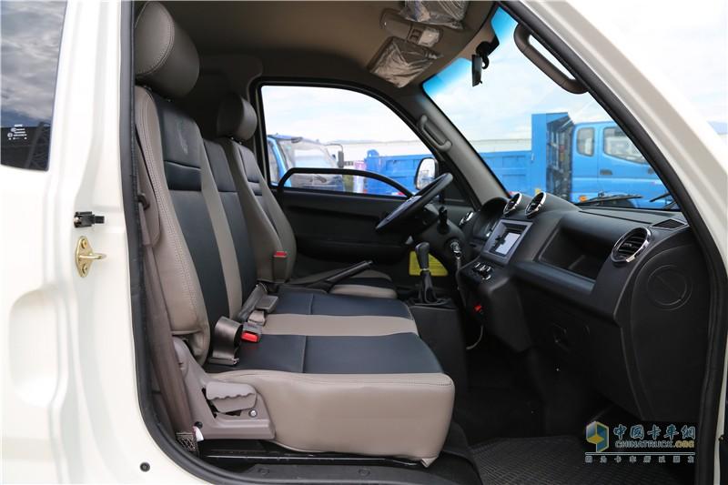 时骏汽车F350驾驶室