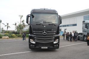 梅赛德斯-奔驰新Actros 2642 LS DNA 6x2公路牵引车