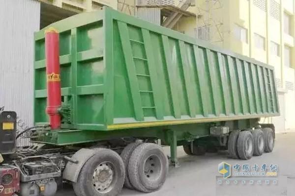 中集通华粮食运输自卸半挂车