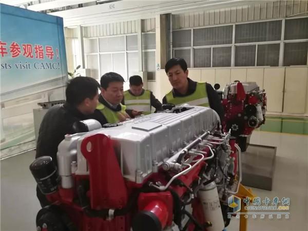 参观汉马动力发动机生产线
