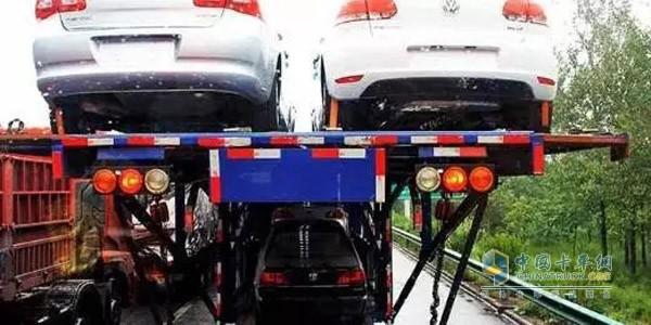 传统双排轿运车危险系数大