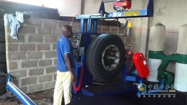 正规的轮胎翻新是有国家标准强制规定的