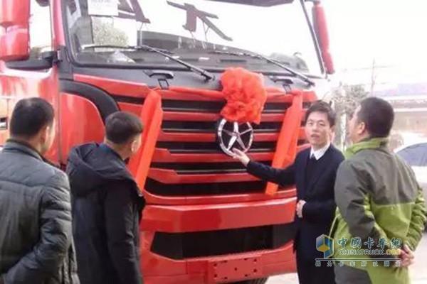 随后山西大运汽车销售有限公司区域业务经理就n8v车型从安全,经济
